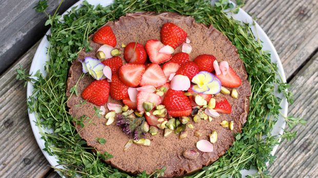 Elle Macpherson's fave protein-packed chocolate torte is a dessert game-changer