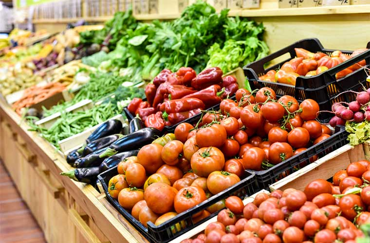 "is organic food good for you essay ""there isn't much difference between organic and conventional foods, if you're an  adult and making a decision based solely on your health,""."