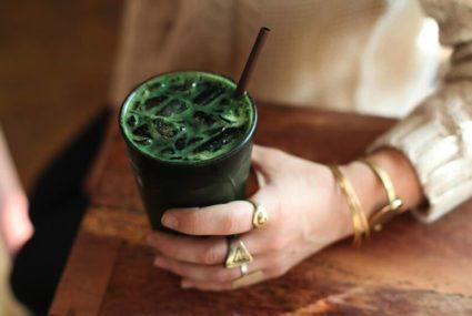 Here's how to make chlorophyll water—green juice's lesser known cousin