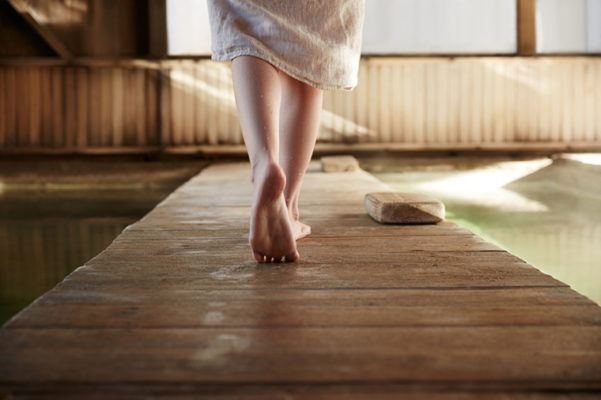 Your guide to having an ultra-detoxifying sauna experience