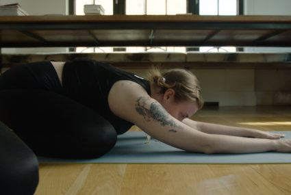 The one yoga move that helps Lena Dunham with her anxiety