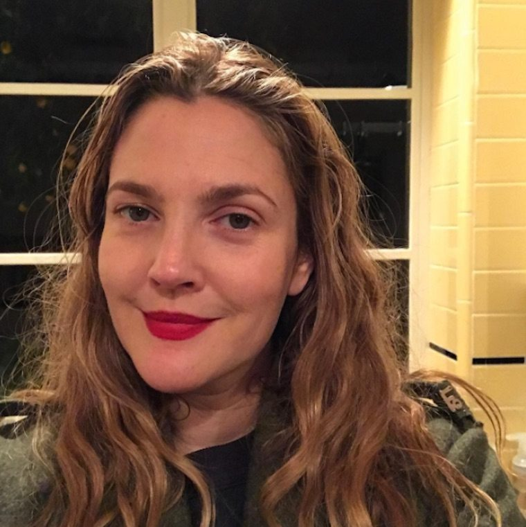 Thumbnail for The easy way Drew Barrymore gets an otherworldly glow