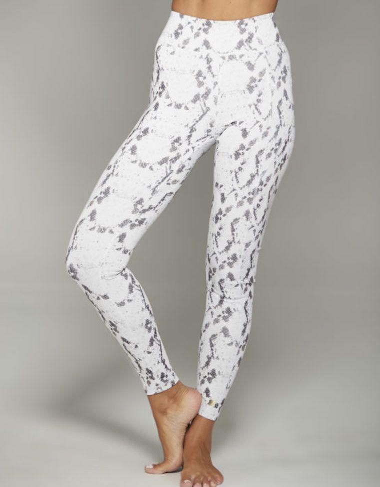 love-leg-snake-front-legging