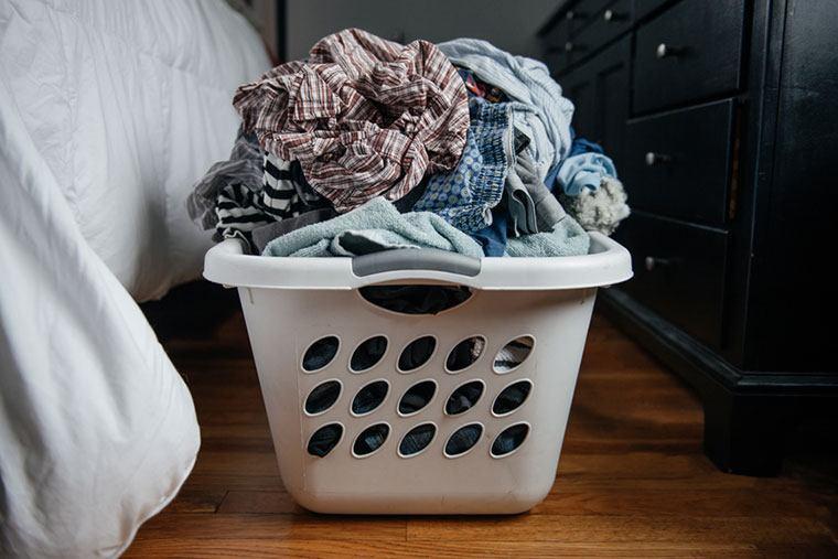 stocksy-laundry-cara-slifka