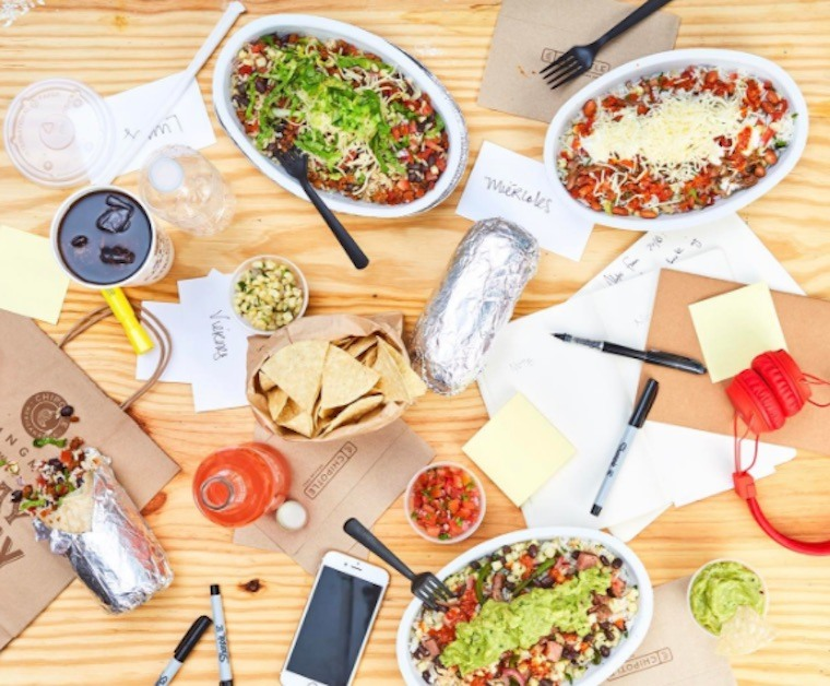 3 nutritionist-approved hacks for eating healthy at Chipotle