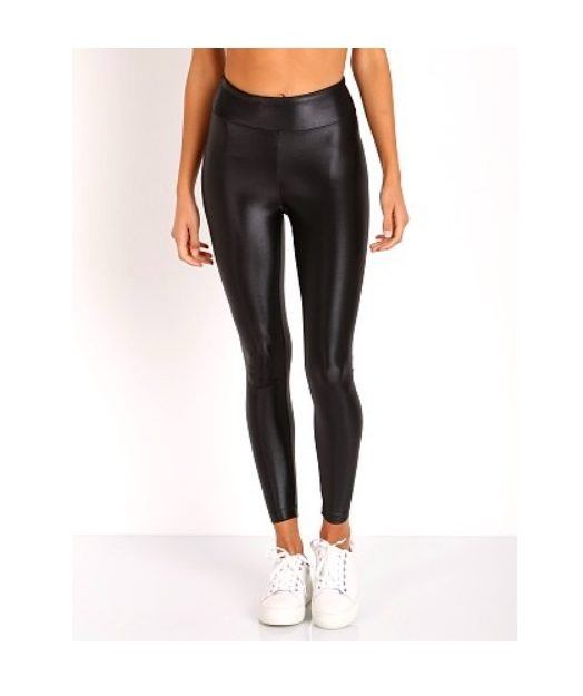 f6b07ca7c6f2d The shiny workout legging is trending hard | Well+Good