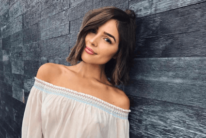 Olivia Culpo's genius coconut oil hack might make you toss your lipstick