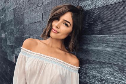 Olivia Culpo's genius coconut oil hack might make you toss your lipstick