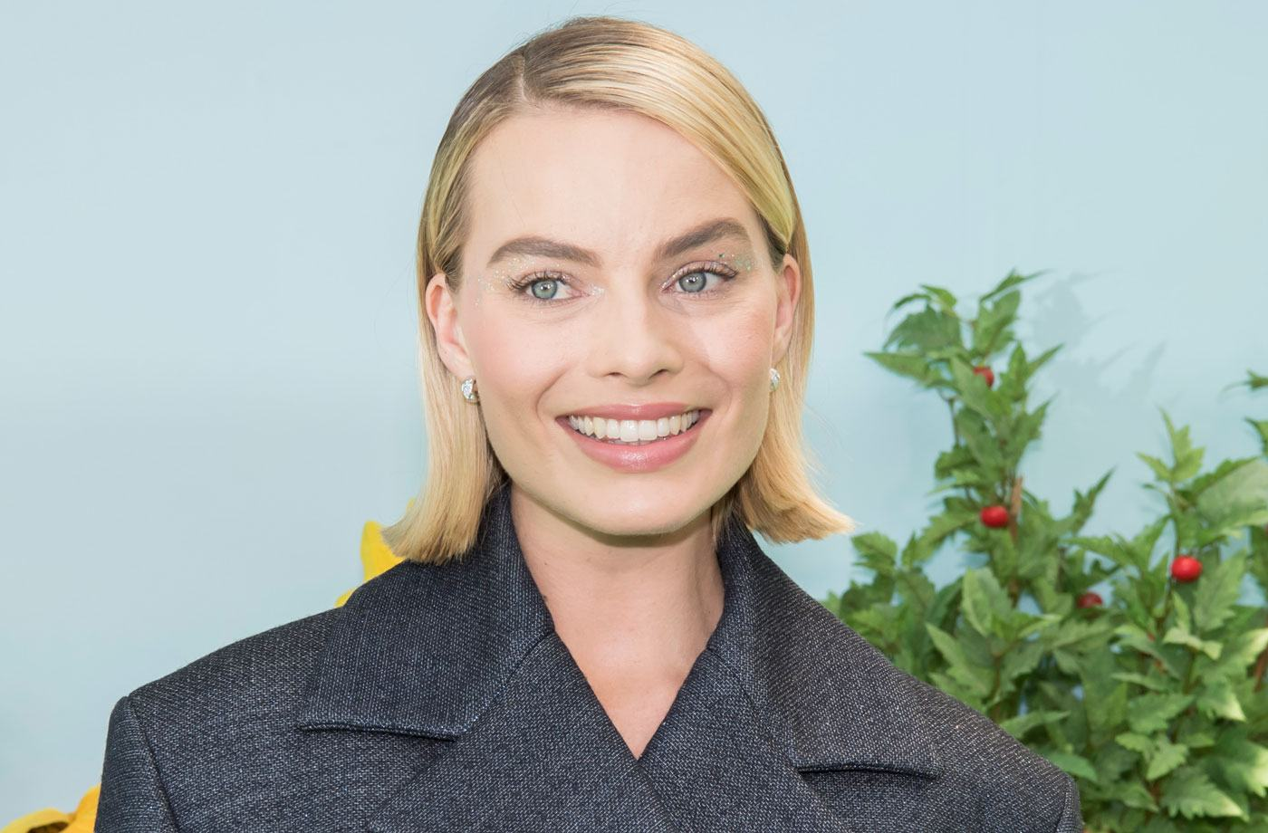Thumbnail for This is the one diet change that clears Margot Robbie's skin—every time