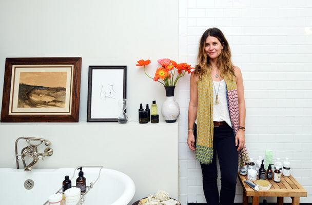 How to develop a rejuvenating bathroom ritual like a clean-beauty guru