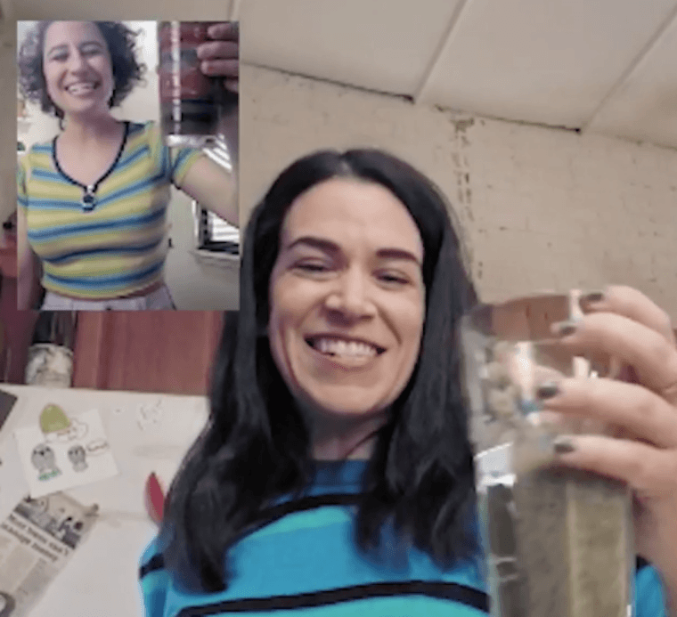 """Thumbnail for Making smoothies with the """"Broad City"""" girls is the most fun you'll have today"""