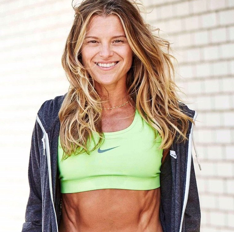 Thumbnail for You need to try this do-anywhere ab workout from fitness star Holly Rilinger