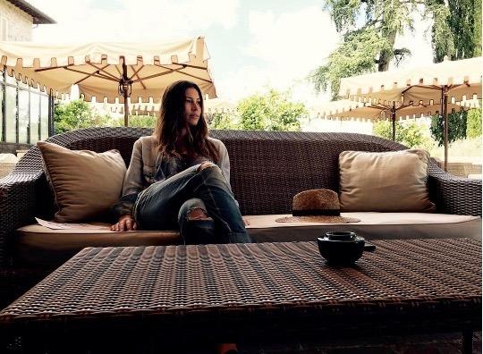 Jessica biel flips for her instagram milestone well good for Good home decor instagram