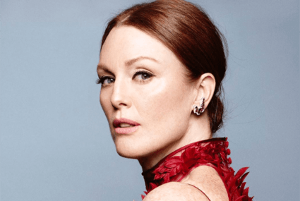 Julianne Moore's easy (and free!) trick for maintaining perfect skin