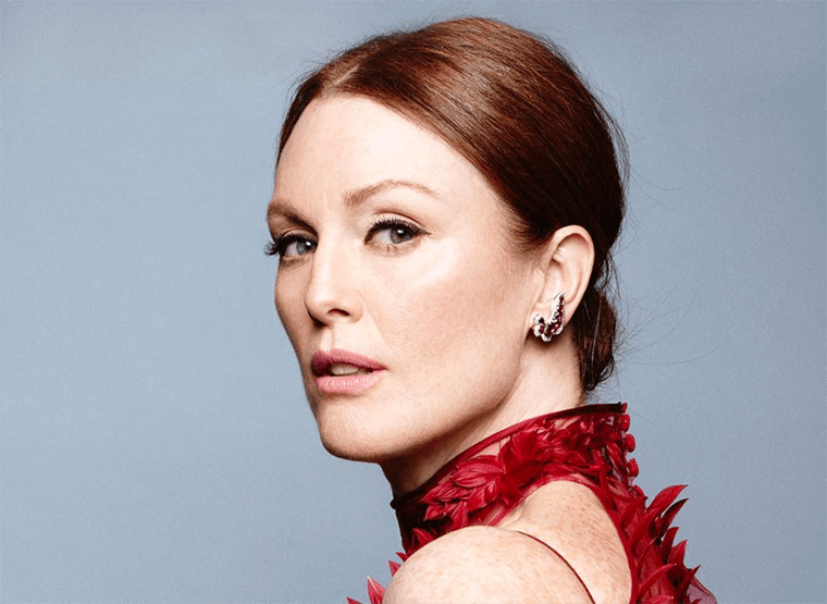 Thumbnail for Julianne Moore's easy (and free!) trick for maintaining perfect skin