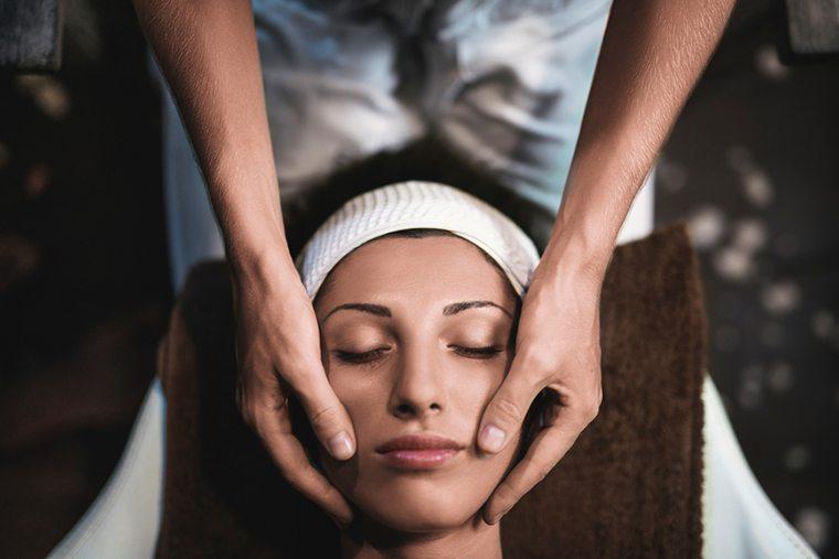 lymphatic drainage massage facial
