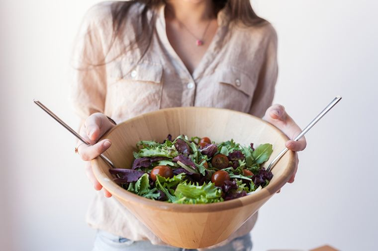 Thumbnail for 6 essential tips to ordering the most nutritious salad on your lunch hour
