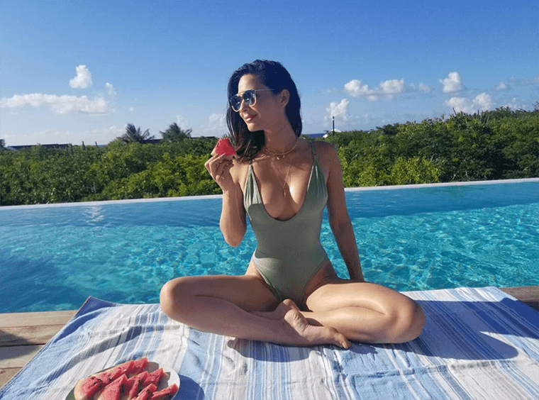 Thumbnail for The one thing Olivia Munn cut from her diet to clear her acne