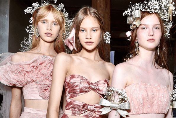 Try This Simple (but Dreamy!) Flower Crown Hack From Paris Fashion Week