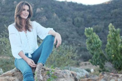 The 3 beauty products Cindy Crawford never travels without