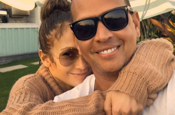 """J.Lo and A-Rod's cute push-up game will give you """"This Is Us"""" feels"""