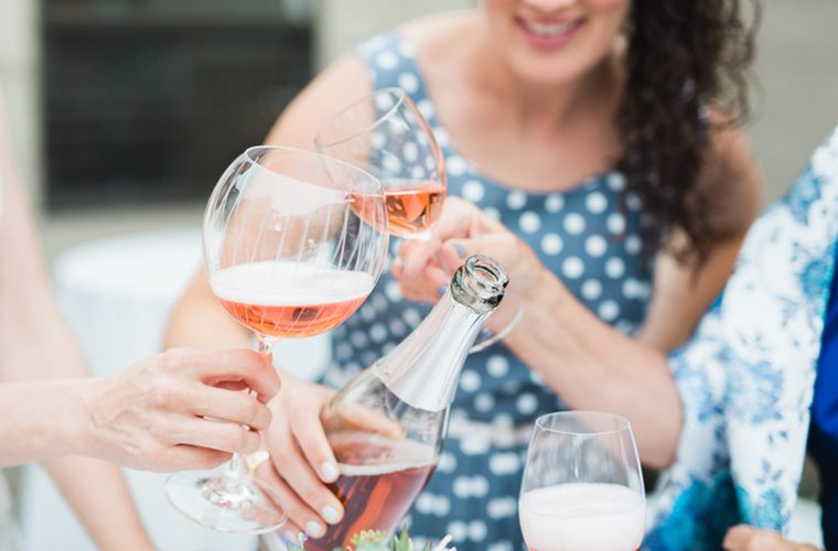 How many glasses of wine a week is actually healthy?