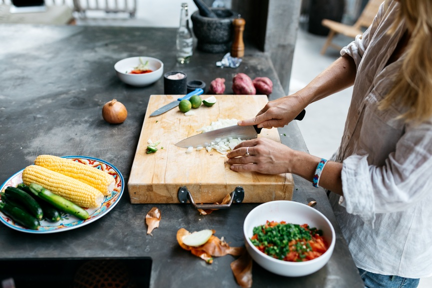 The healthy foods 13 wellness pros always stock at home