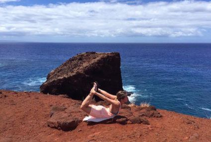 Attention: People are doing yoga on cliffsides now