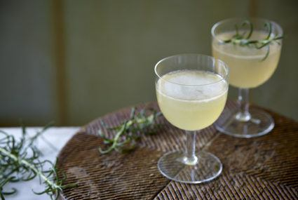 Use this anti-inflammatory herb to seriously upgrade your cocktail