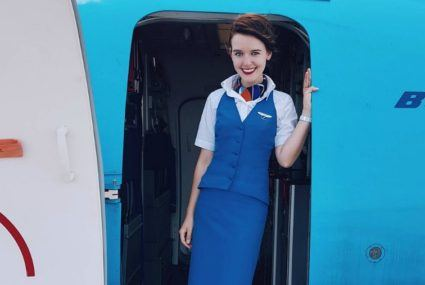 These are the hacks flight attendants use to drink more water on planes