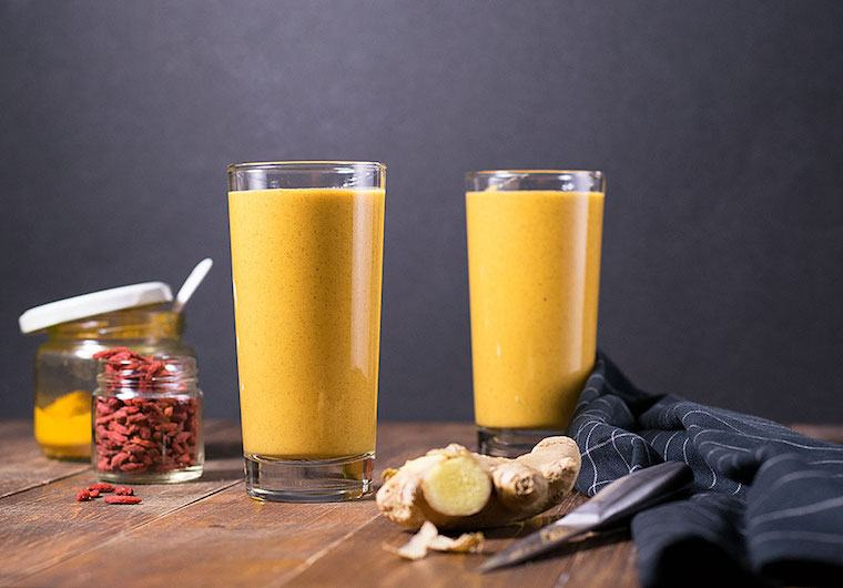 Thumbnail for 10 turmeric smoothies to glow up your body—and your Instagram