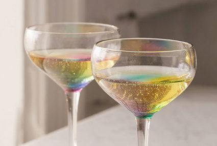 These glasses will add unicorn magic to everything you drink