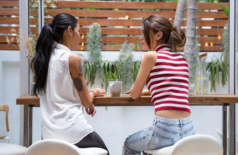 friends talking
