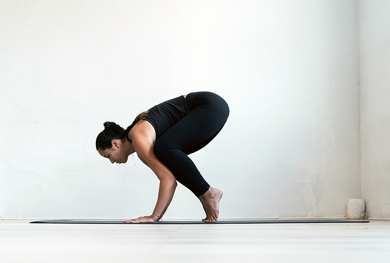 how to do crow pose Y7 Sarah Levey