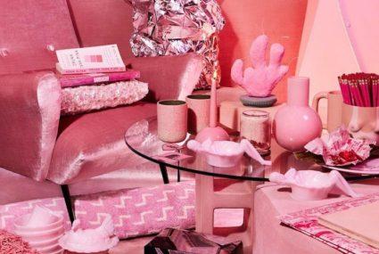 13 super-cozy, millennial-pink accessories for hygge season