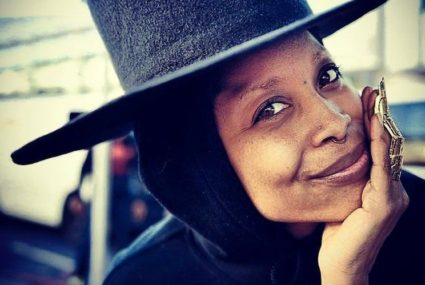 Music legend (and doula) Erykah Badu has been dropping serious wellness knowledge lately