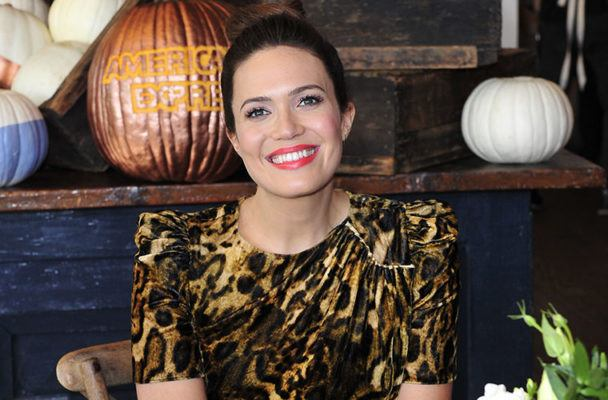 The Gratitude Practice Mandy Moore Has Planned for Her Thanksgiving Dinner Party