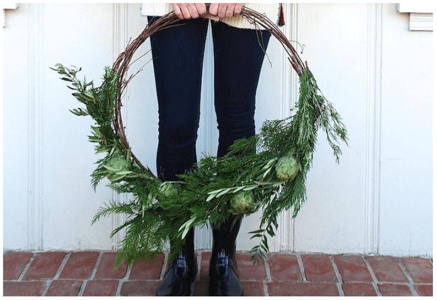 THE DIY HOLIDAY WREATH YOU CAN CRAFT FROM HEALTHY KITCHEN INGREDIENTS