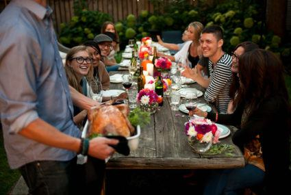 5 last-minute ways to add good energy to your Thanksgiving gathering