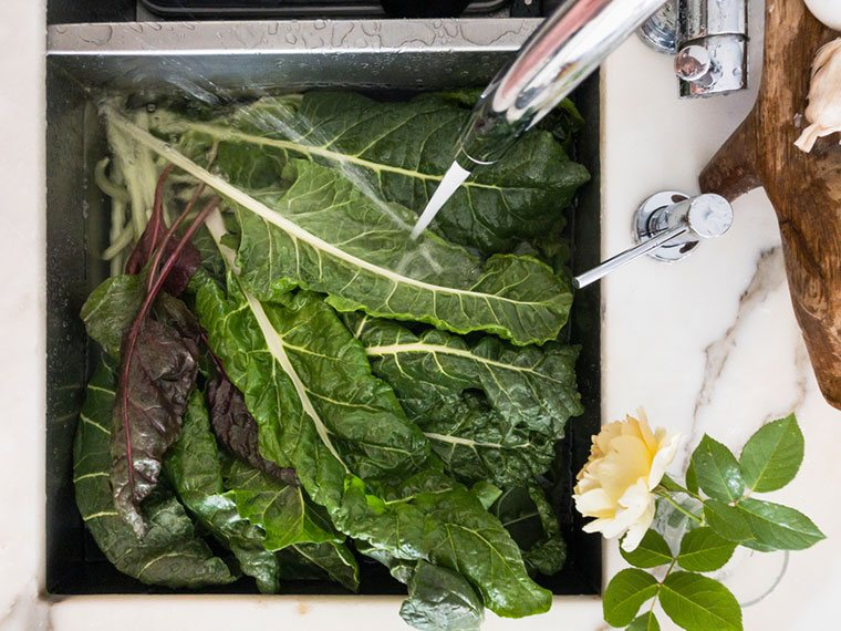 best way to wash lettuce