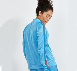 Thumbnail for Why is everyone in activewear obsessed with this color combo right now?