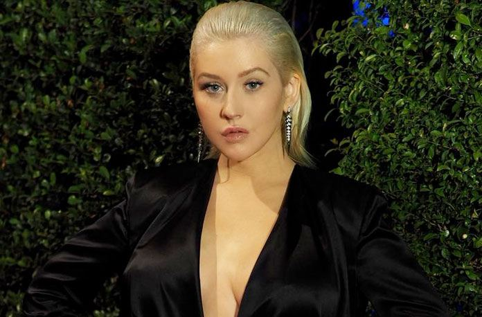 christina aguilera no makeup look