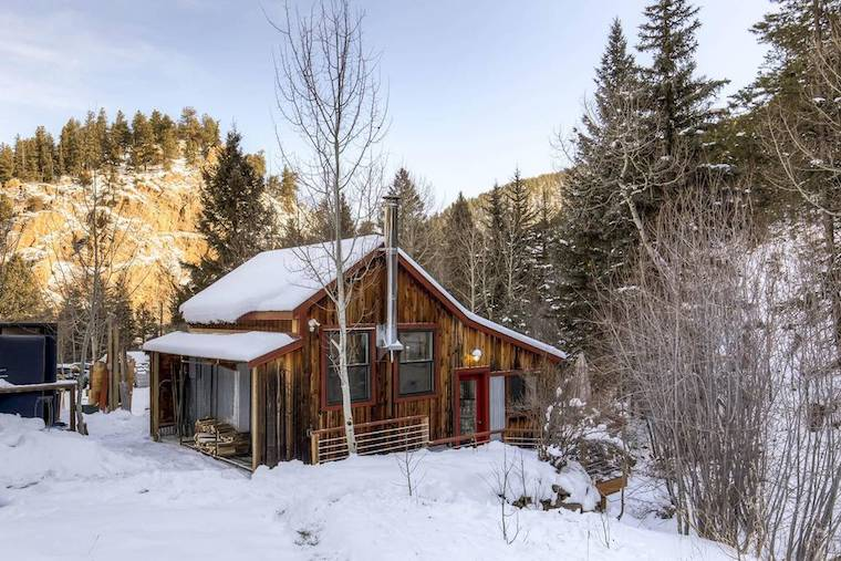 Thumbnail for 7 cozy cabins you can still book for a no-fuss, hygge-filled New Year's Eve