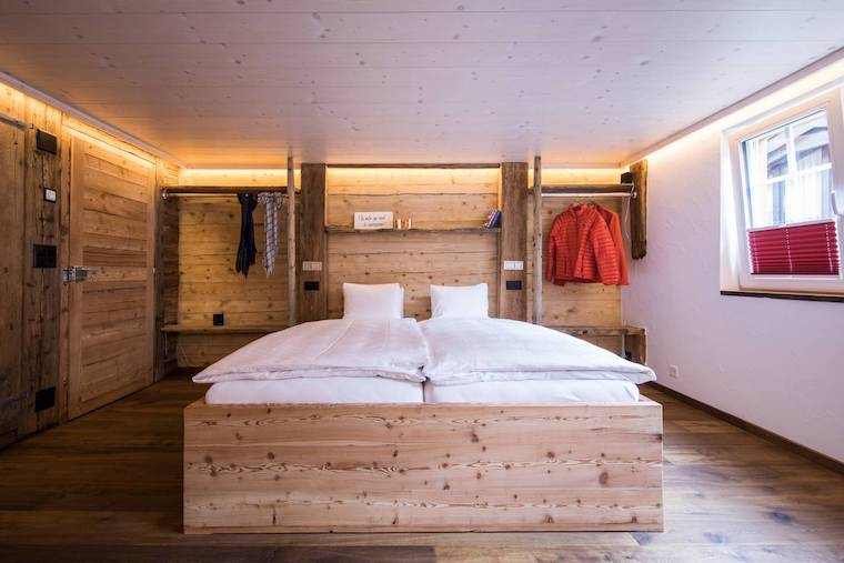 Thumbnail for 6 cozy ski getaways on Airbnb where hitting the slopes is totally optional