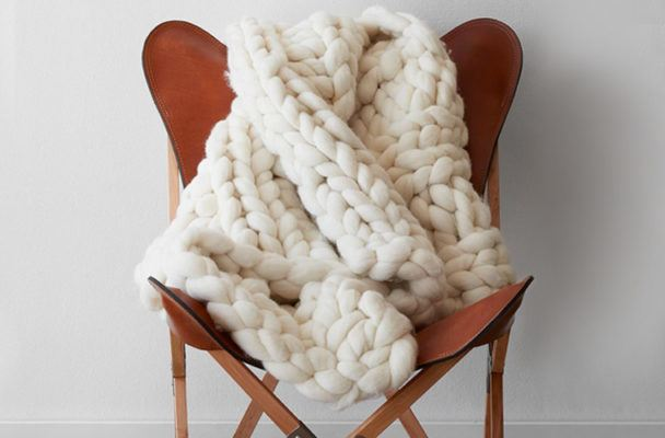 Chunky knit blankets are here to make your winter much cozier