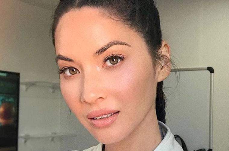 Thumbnail for Olivia Munn's dry skin hack is free and will leave you feeling like a dewy goddess