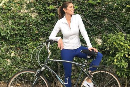 Cindy Crawford's retro workout routine is 30 years old *and* effective