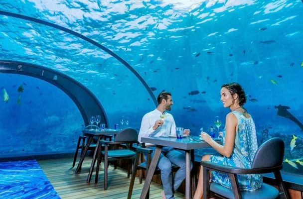 Thumbnail for At this Maldives spot, you can eat a healthy meal *literally* under the sea