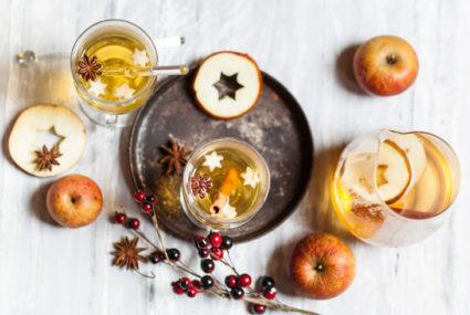 4 ways to give your Apple Cider Vinegar cocktail a festive holiday makeover