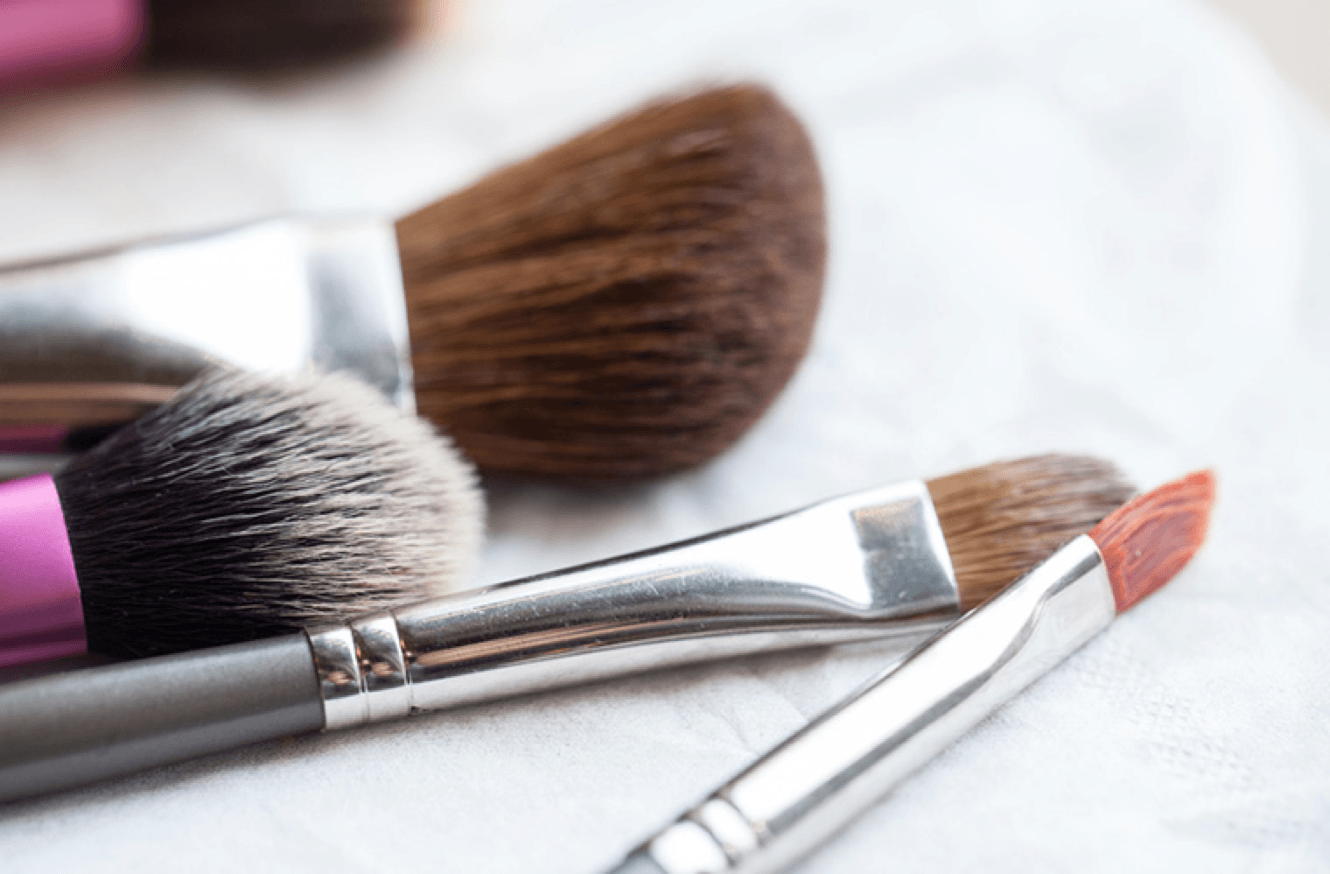 How to clean your makeup brushes, according to a makeup artist